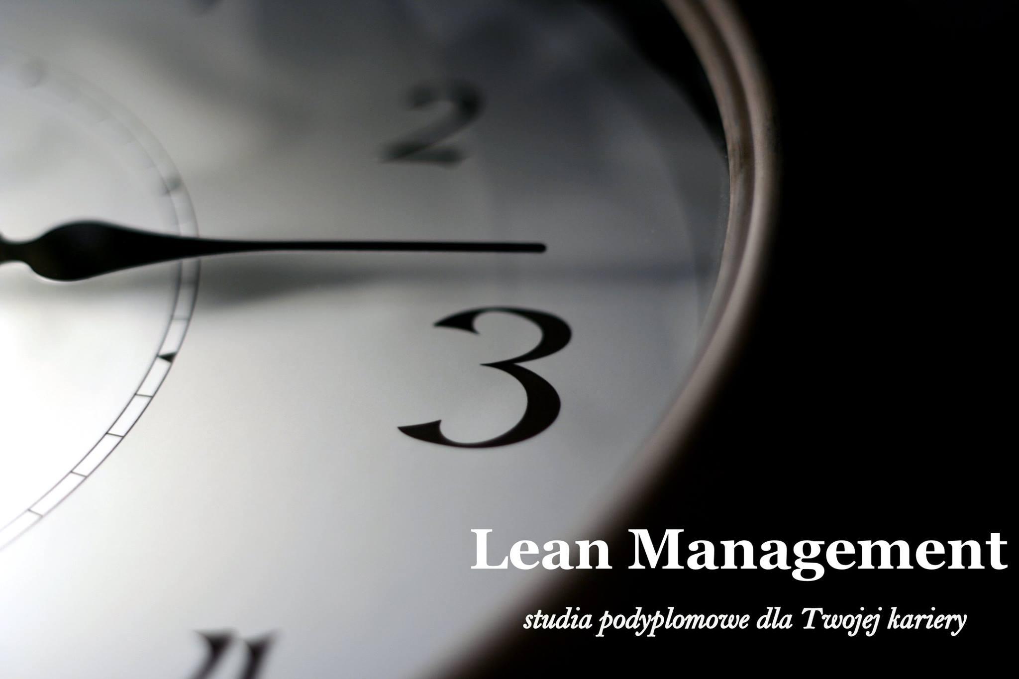 Wskazówka i fragment zegara. TekstL :ean Management, studia podyplomowe dla Twojej kariery